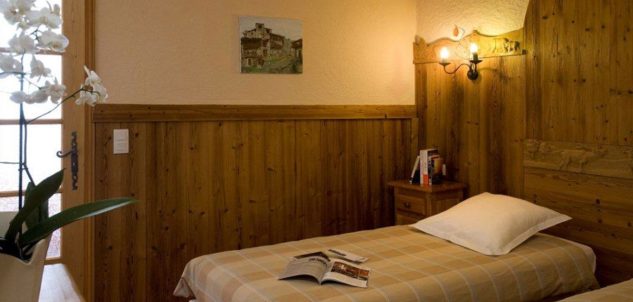 france_three-valleys_val-thorens_hotel_le_portillo_quadroom.jpg